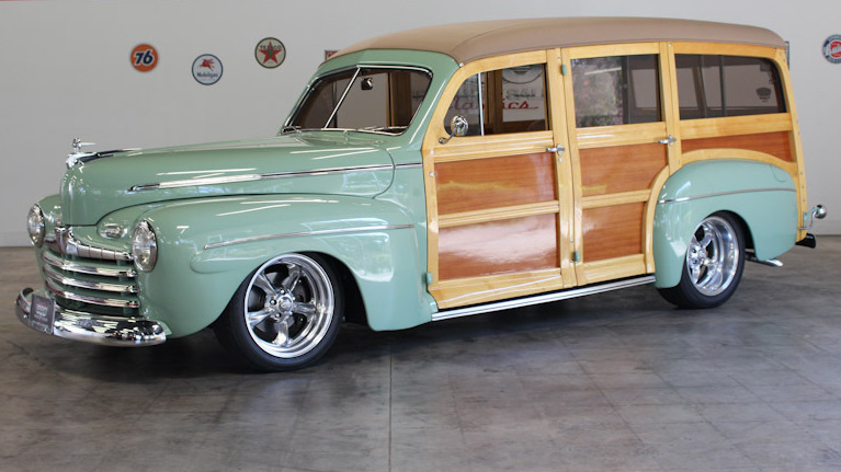 Ford Deluxe Woodie